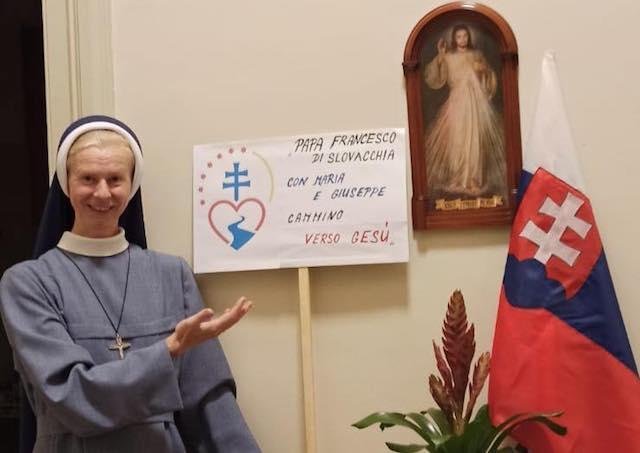 Vatikan, Faustína, vlajka